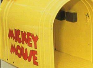 mickey-and-pluto-disney-world-postcard.
