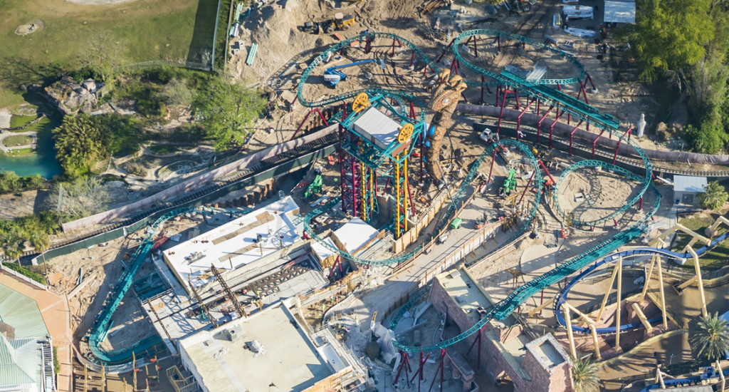 Cobra 39 s curse update final track piece installed imaginerding for Busch gardens tampa bay cobra s curse